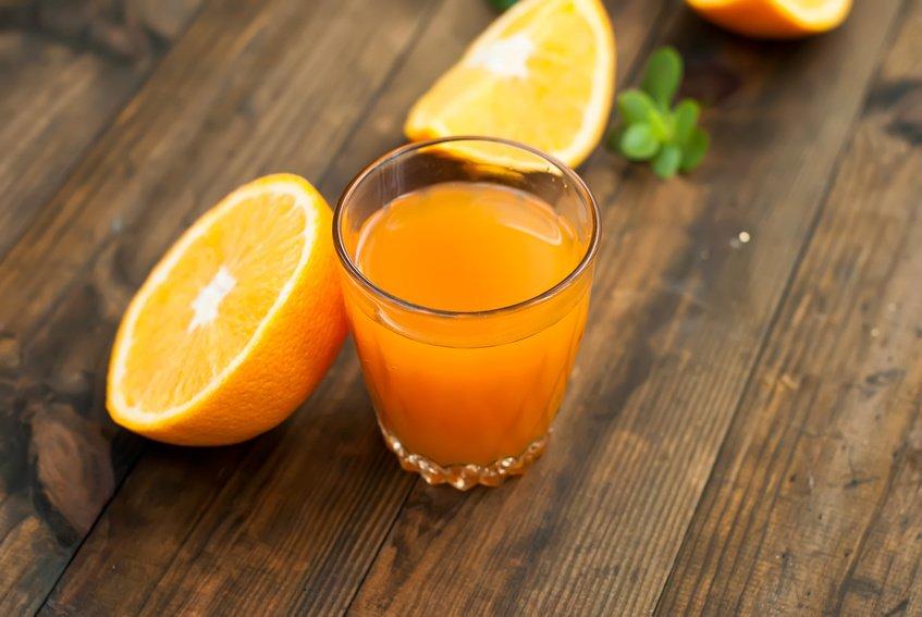 Apelsinjuice med nypon